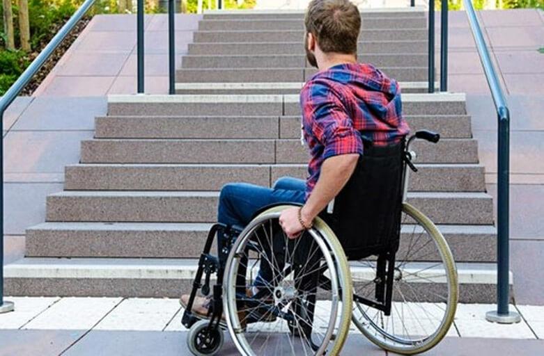 Banco indenizará cliente com deficiência por descumprir lei de acessibilidade