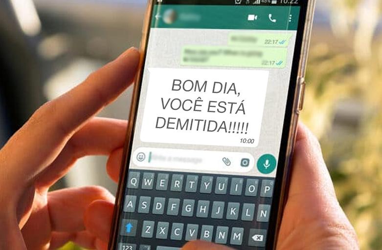 Patrão que demitiu empregada doméstica por WhatsApp pagará indenização